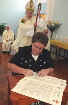 2006 The Mercy Sisters gift Mount St Bernard College to the Catholic Diocese of Cairns